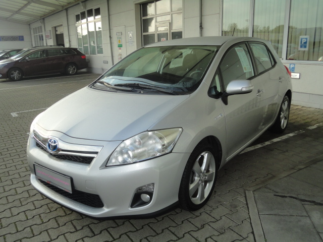 Toyota Auris Hybrid | Bj.2010 | 64738km | 11.280 �