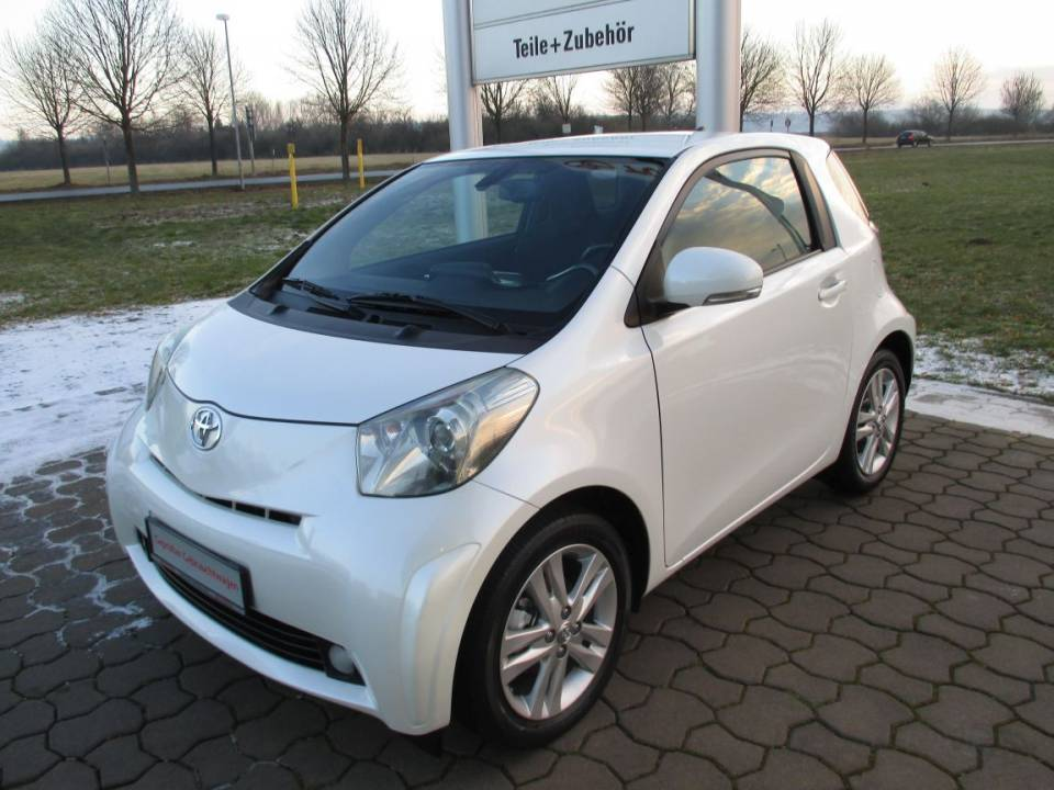 Toyota iQ | Bj.2010 | 48430km | 7.900 €