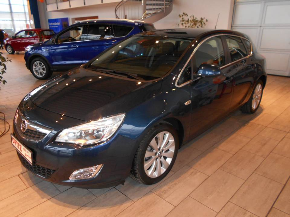 Opel Astra | Bj.2010 | 46121km | 9.990 €