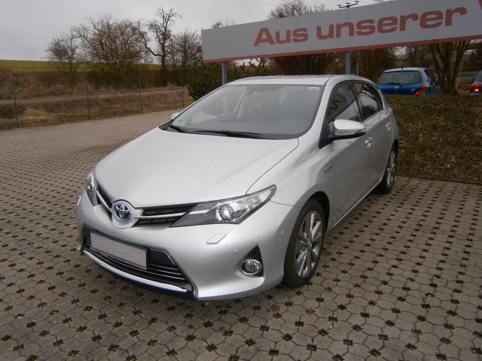 Toyota Auris Hybrid | Bj.2015 | 27005km | 17.990 €