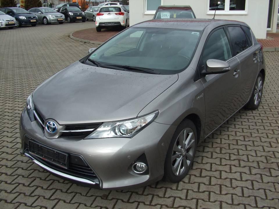 Toyota Auris Hybrid | Bj.2013 | 54215km | 16.630 €
