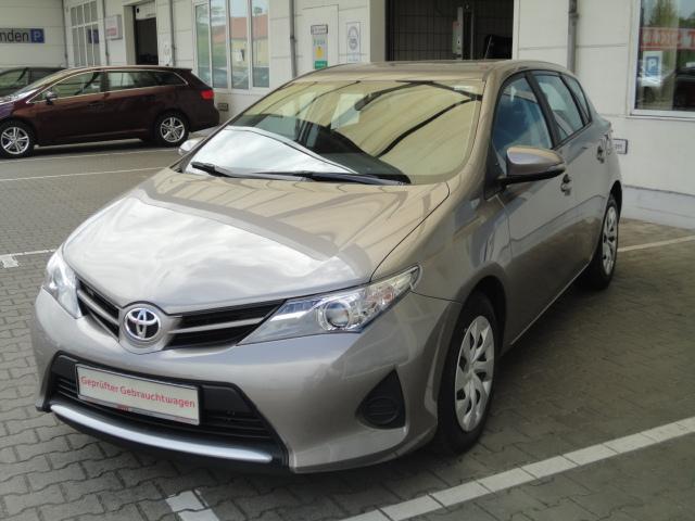 Toyota Auris | Bj.2015 | 9700km | 12.400 €