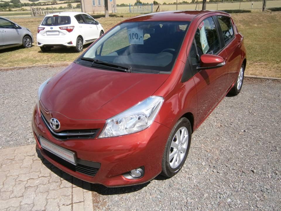 Toyota Yaris   Bj.2013   56667km   8.450 €