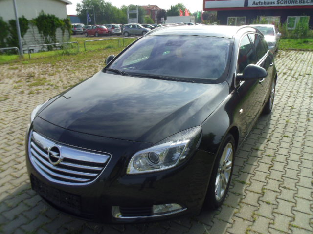 Opel Insignia | Bj.2010 | 136602km | 12.490 €