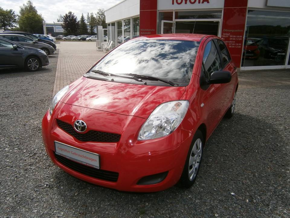 Toyota Yaris | Bj.2011 | 65822km | 6.650 €