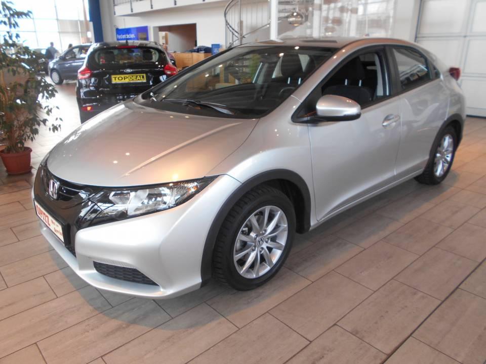 Honda Civic | Bj.2014 | 24421km | 12.490 €
