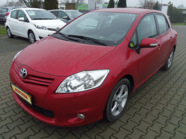 Toyota Auris | Bj.2012 | 32195km | 11.930 €