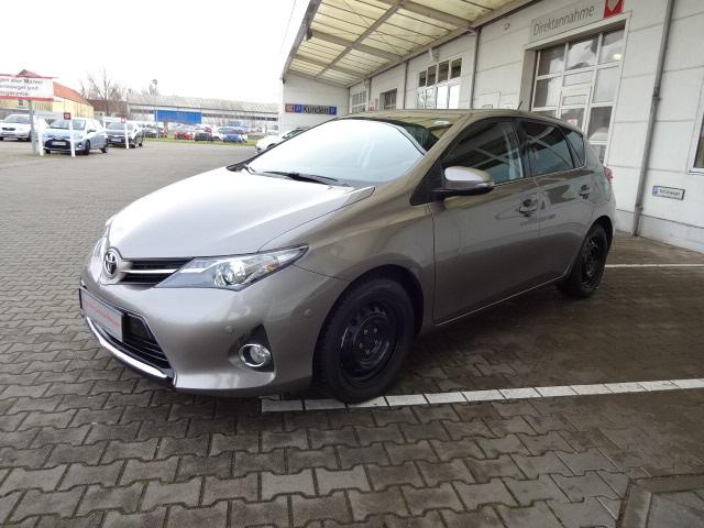 Toyota Auris | Bj.2015 | 23461km | 13.600 €
