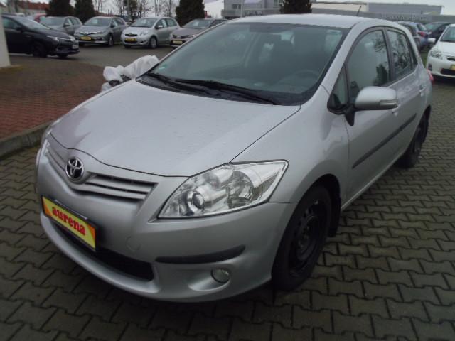 Toyota Auris | Bj.2011 | 33283km | 10.560 €
