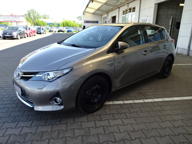 Toyota Auris Hybrid | Bj.2013 | 36952km | 16.990 €
