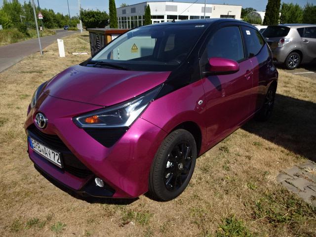 Toyota AYGO   Bj.2018   1964km   12.200 €