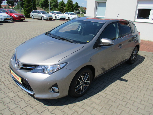 Toyota Auris | Bj.2015 | 30385km | 14.100 €