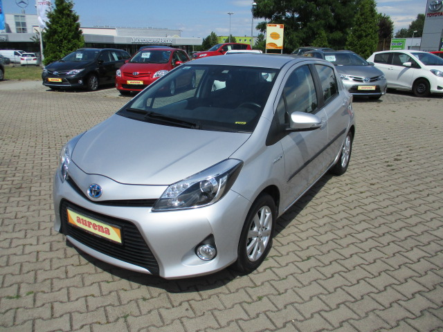 Toyota Yaris Hybrid | Bj.2012 | 77993km | 11.820 €