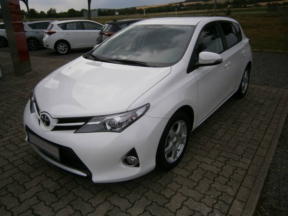 Toyota Auris | Bj.2015 | 30821km | 11.900 €