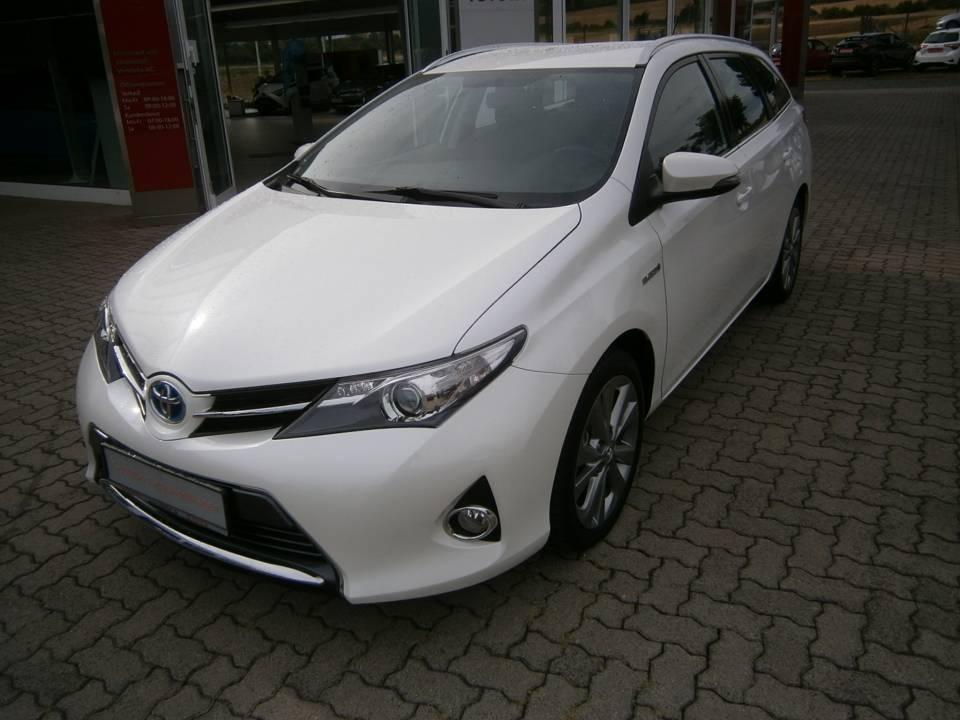 Toyota Auris TS Hybrid | Bj.2013 | 64628km | 14.900 €