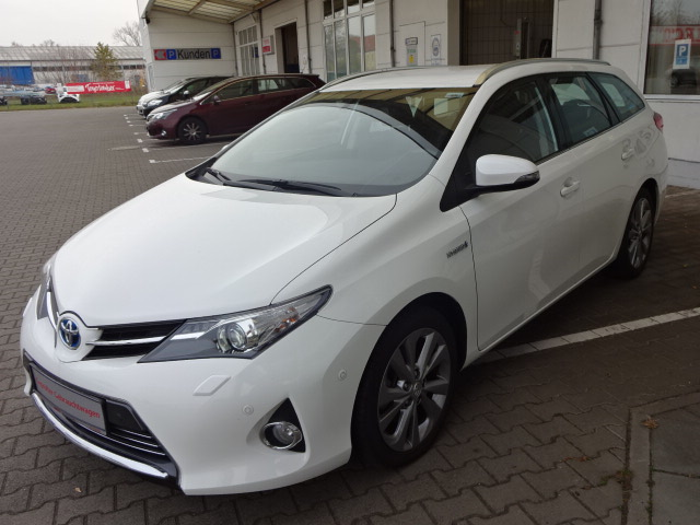 Toyota Auris TS Hybrid | Bj.2014 | 52134km | 17.260 €