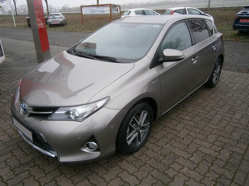 Toyota Auris Hybrid | Bj.2015 | 21670km | 15.690 €