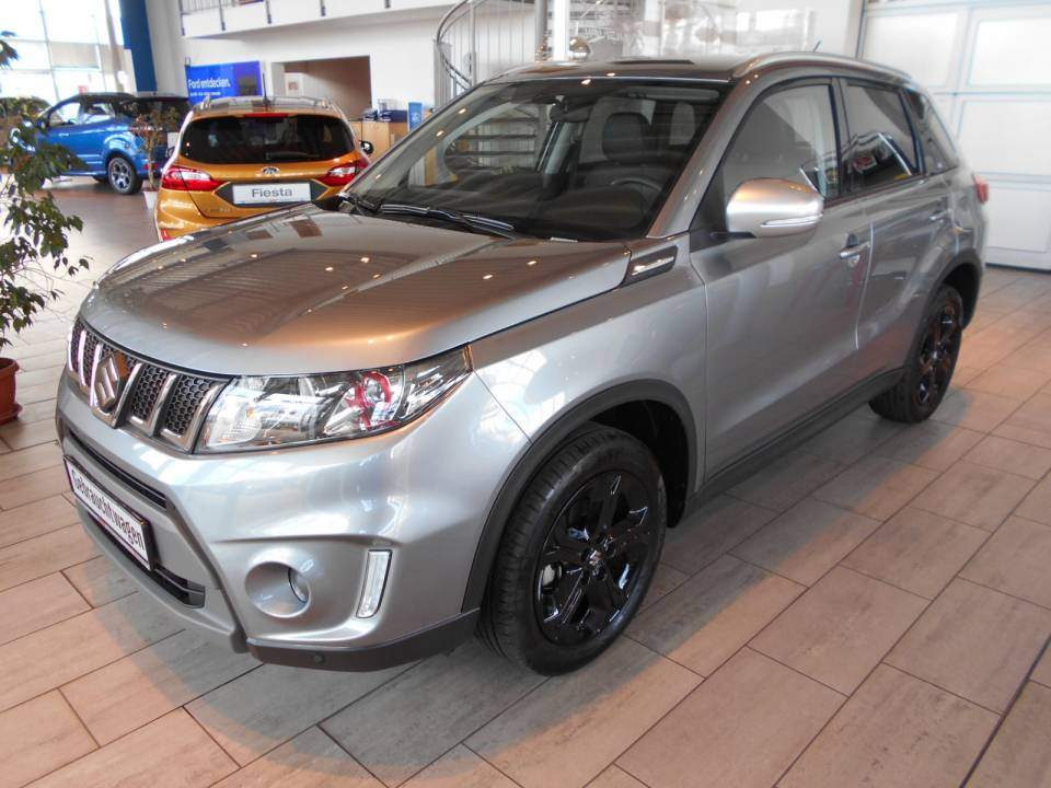 Suzuki Vitara | Bj.2016 | 15111km | 17.950 €