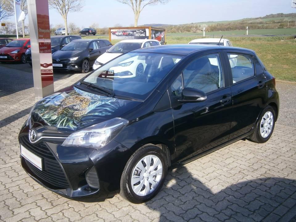 Toyota Yaris | Bj.2015 | 16916km | 8.490 €