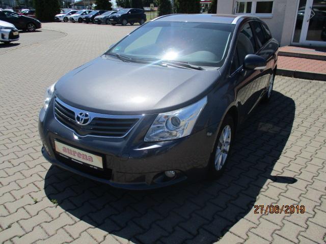 Toyota | Avensis  8.900,00 €