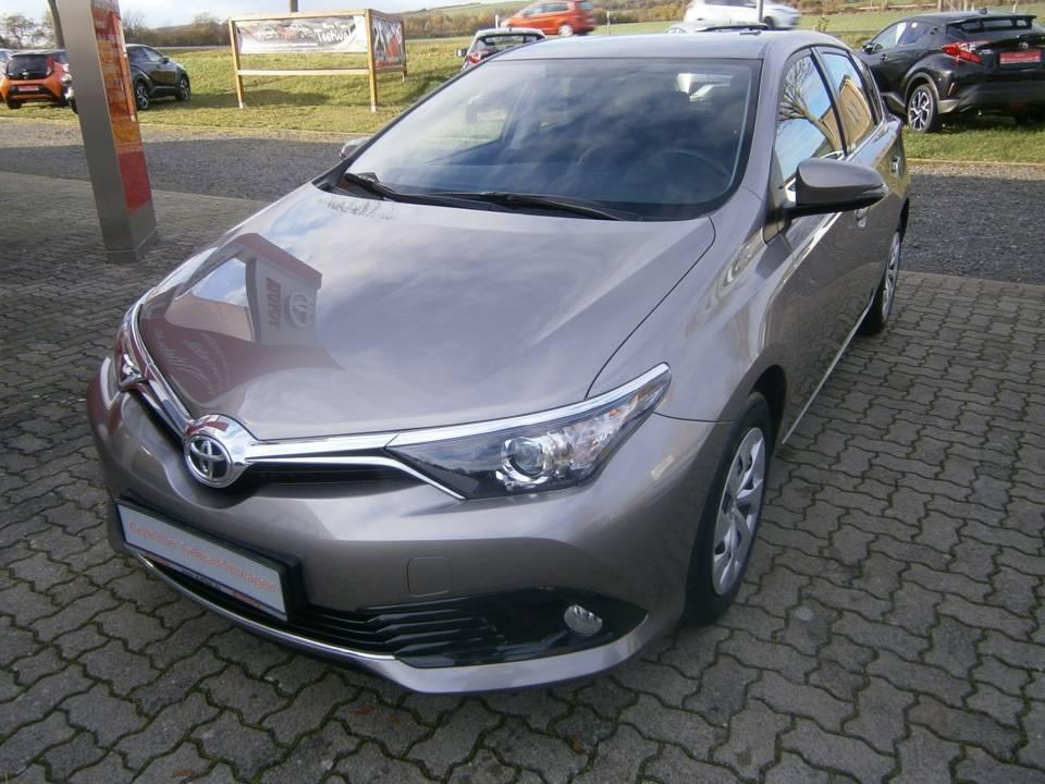 Toyota Auris | Bj.2015 | 26540km | 12.490 €