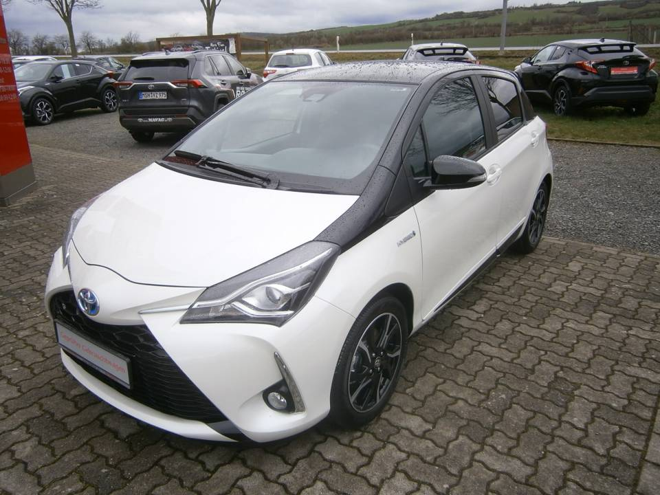 Toyota Yaris Hybrid | Bj.2018 | 26563km | 16.590 €