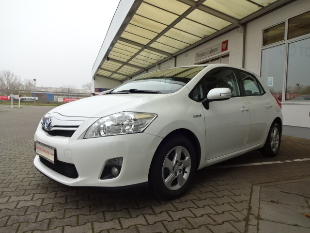 Toyota Auris Hybrid | Bj.2011 | 70320km | 9.495 €