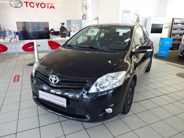Toyota Auris | Bj.2012 | 75975km | 6.545 €